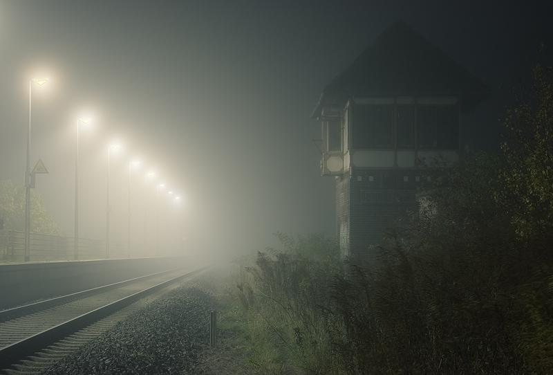 dark season railway station domnitz night feldauge